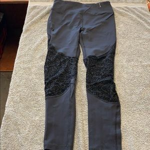 Calia Carrie Underwood Black lace leggings small